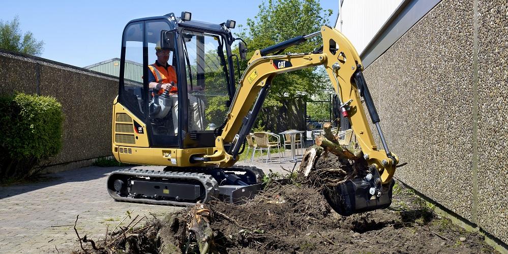 Mini excavator for landscaping
